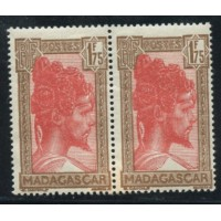 MAD008-176B-**-Pli accordéon - Paire  A.GERBER Philatélie Timbre de France - Colonies - Dom tom